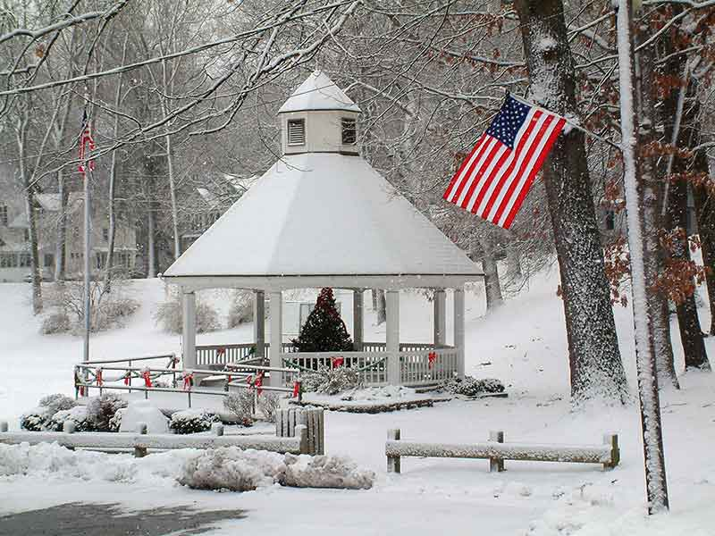 0161 - BANDSTAND IN WINTER